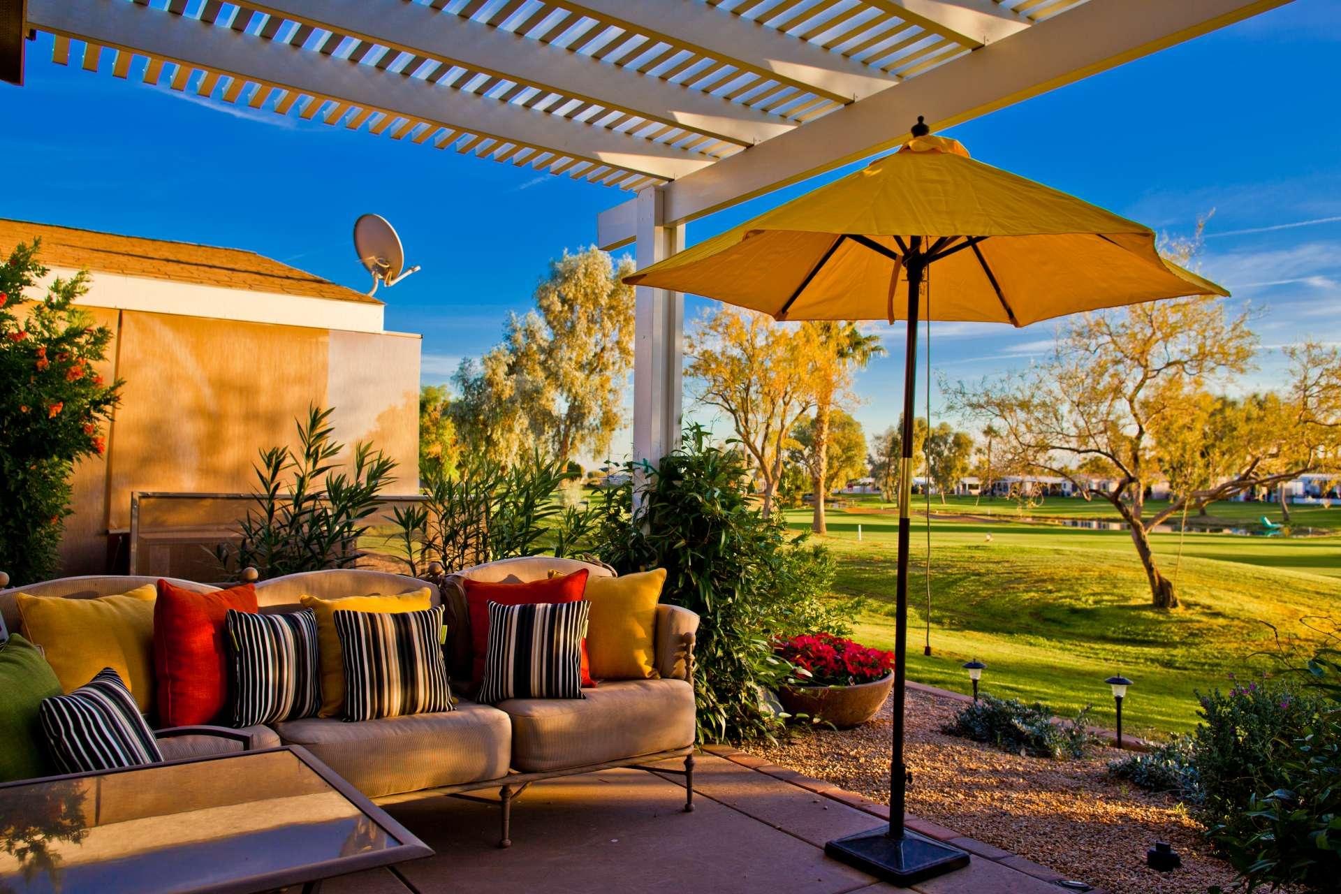 Pueblo El Mirage Outdoor Seating